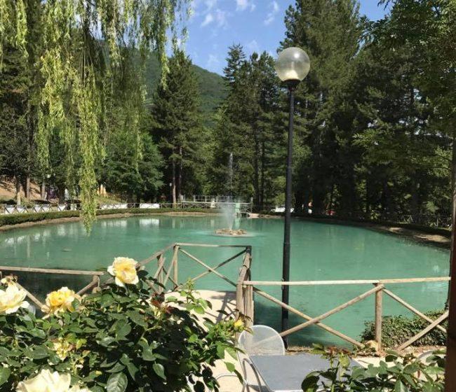 Visso riapertura nel weekend e torna l acqua nel laghetto for Acqua verde laghetto