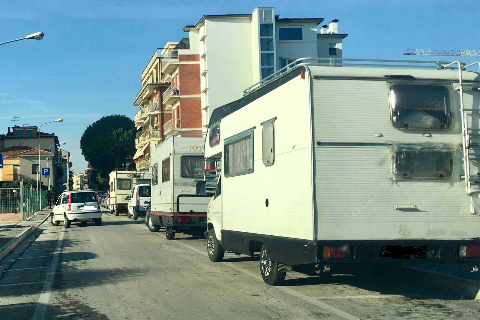 Controllo sul gruppo di rom in due senza permesso di for Controllo permesso soggiorno