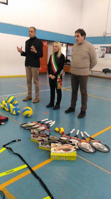 Materiale sportivo per le scuole dono dell ordine di for Malta materiale