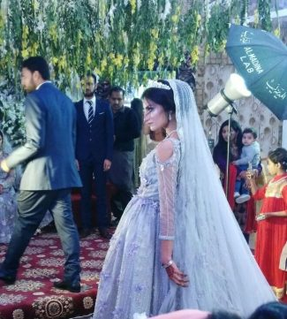 0c0d77bb2b1b Il matrimonio da sogno della giovane stilista