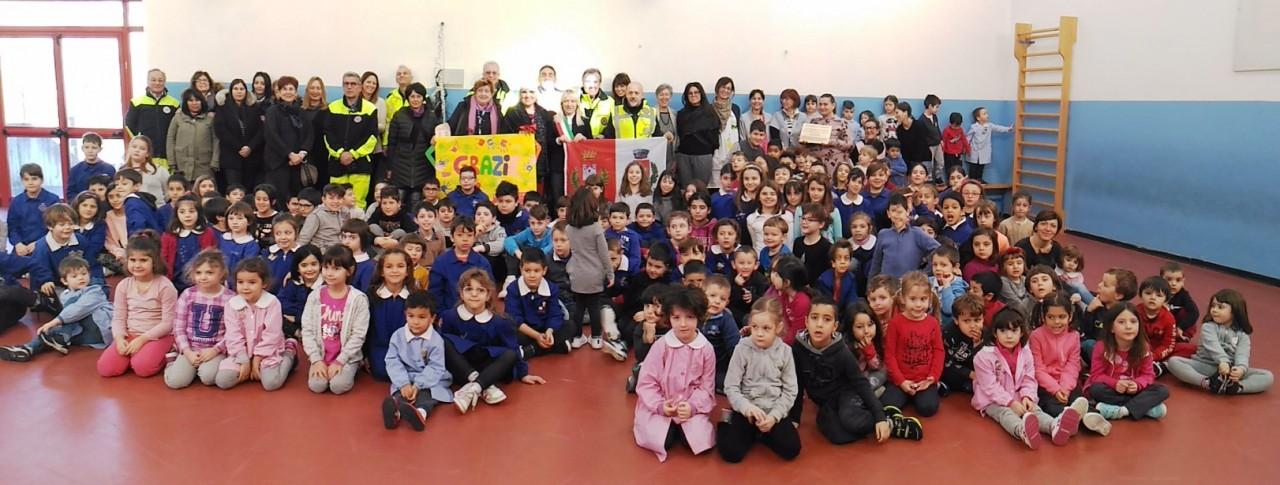 Bagnacavallo dona arredi per la scuola di cesolo for Arredi scolastici