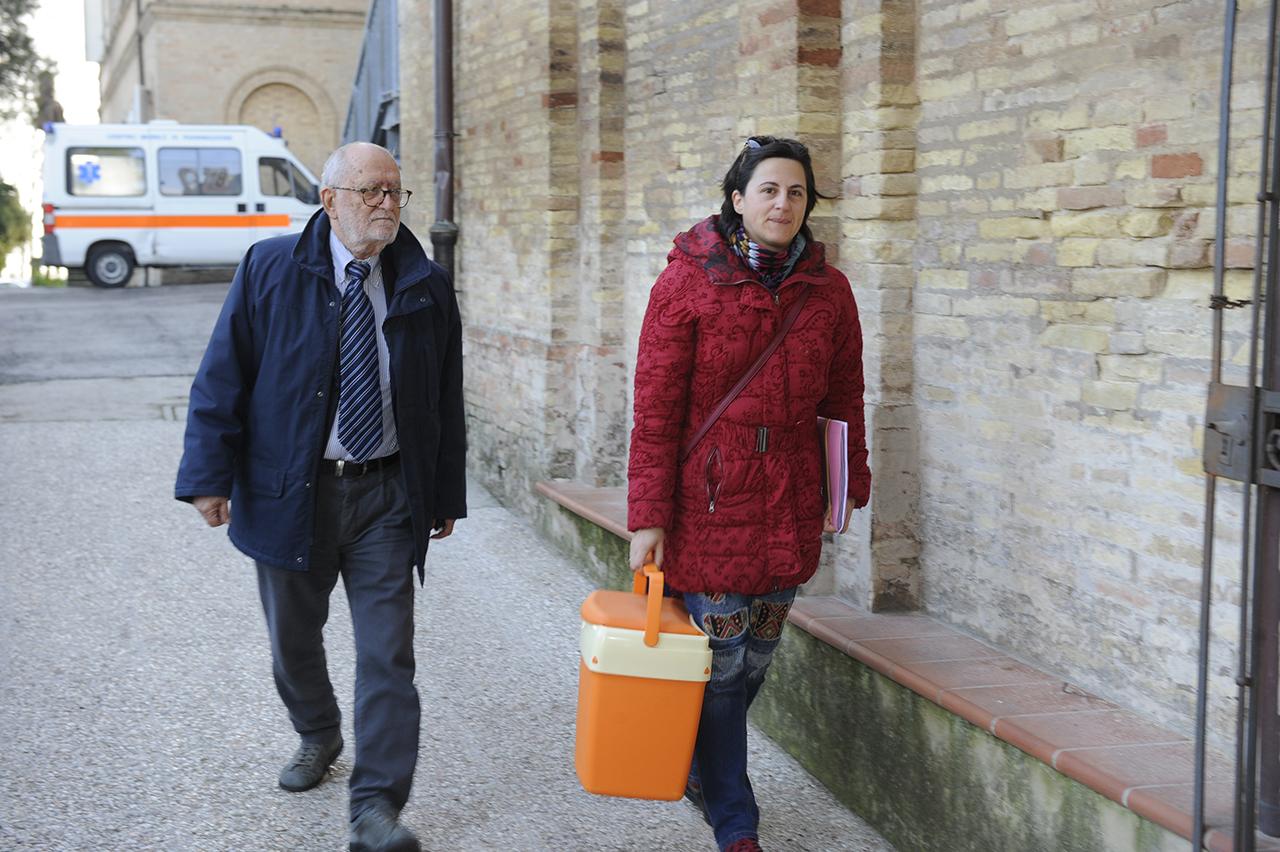 Macerata, quattro ore per la seconda autopsia a Pamela Mastropietro
