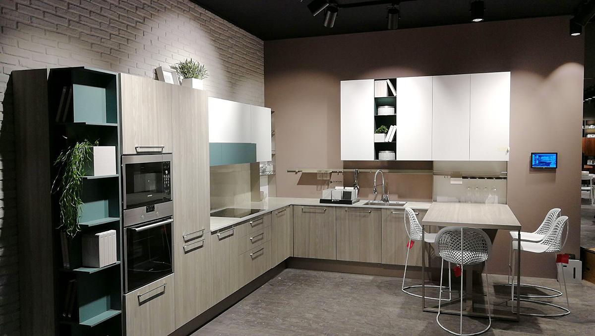 Il marchio cucine lube in vetrina alla fiera di parigi - Immagini cucine lube ...