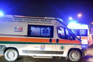 ambulanza-croce-verde-civitanova-soccorsi-notte-archivio-arkiv-FDM