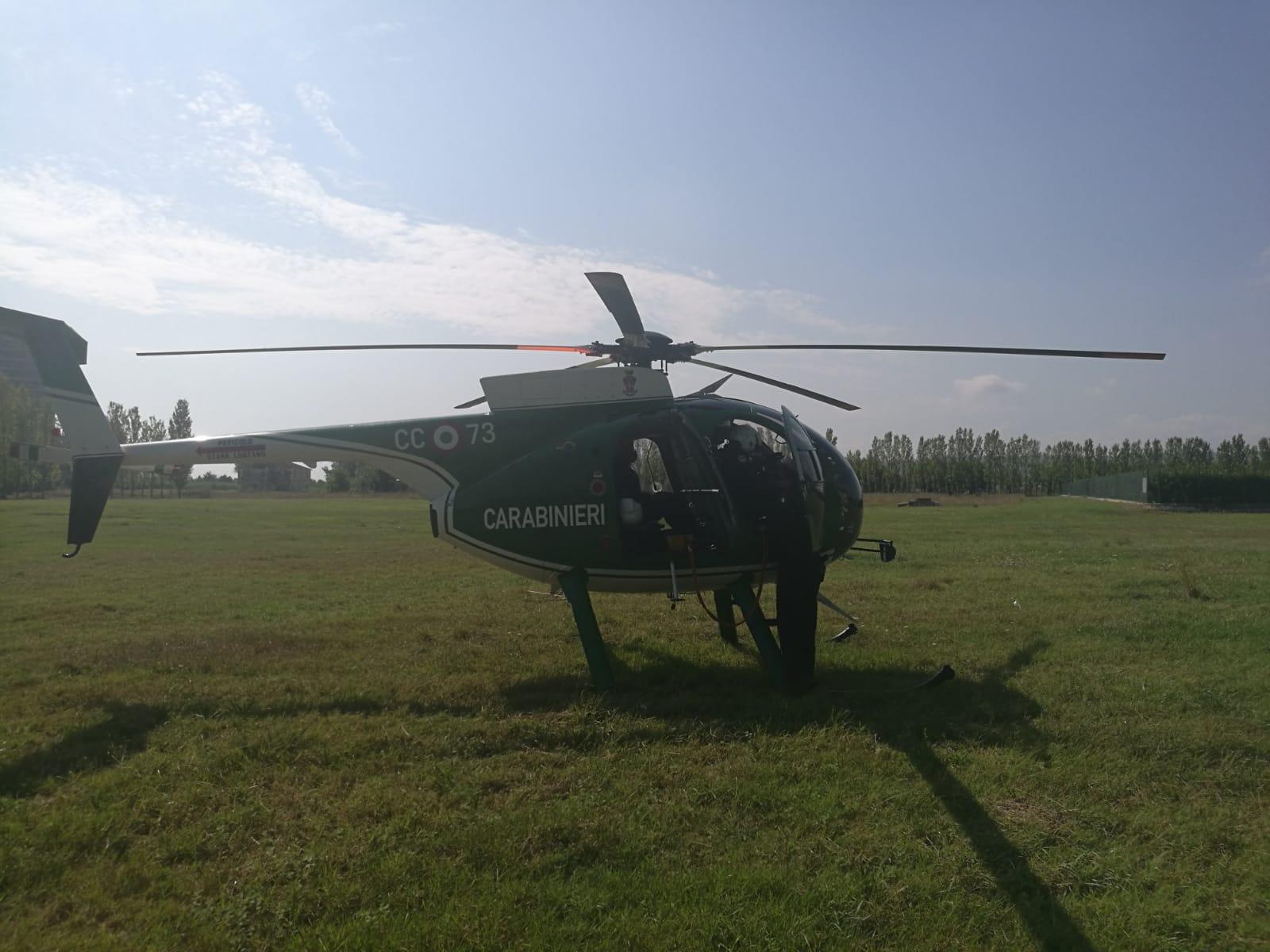 L Elicottero Posizione : Controlli con l elicottero e sulle strade identificate persone