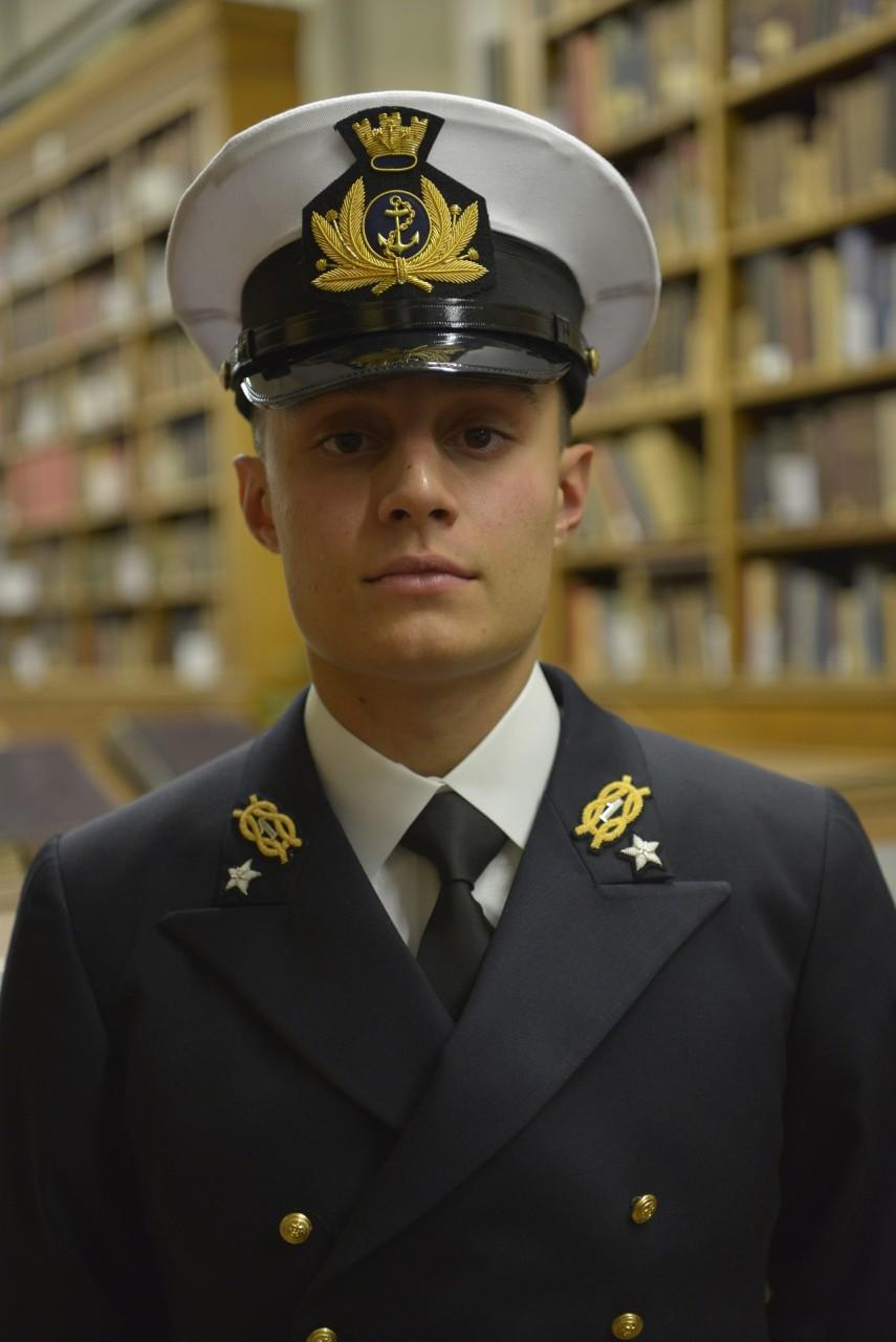 Un civitanovese nella Marina Militare: «Il mare è la mia ...
