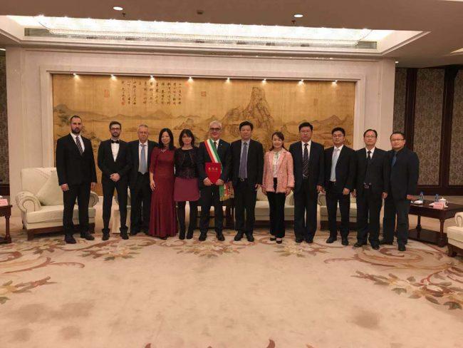 Truffe di servizio di incontri cinesi