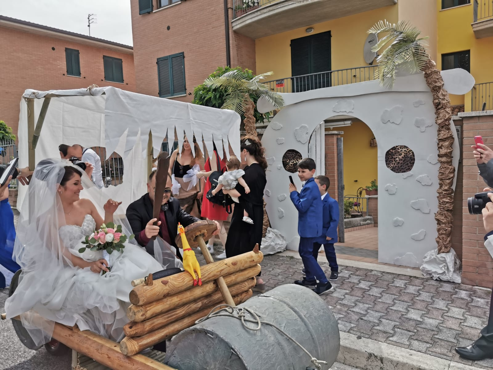 Auguri Di Matrimonio In Ritardo : Dalla città di bedrock allaltare: un matrimonio alla flintstones