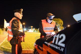 notte-di-controlli-carabinieri-civitanova-FDM-4-325x217