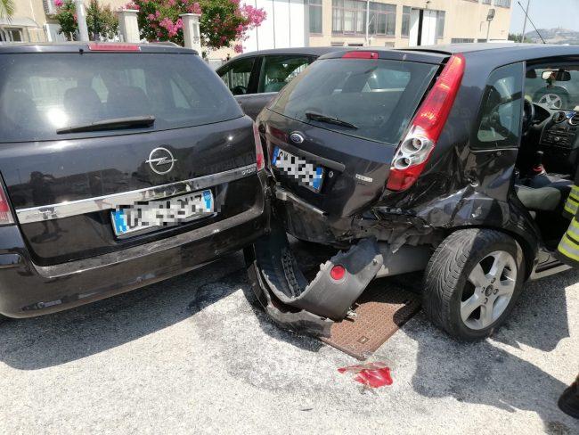 Tamponamento Tra Auto, Due Feriti In Ospedale