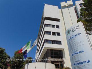 Regione-Palazzo_Raffaello-DSC00182-325x244