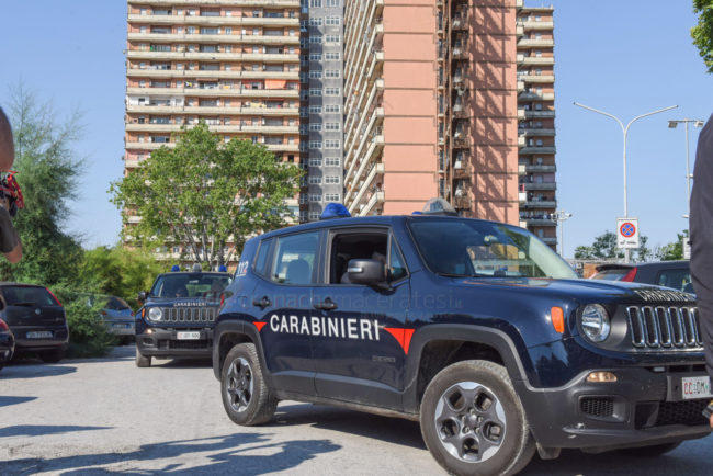 visita-matteo-salvini-carabinieri-hotel-house-porto-recanati-FDM-1-650x434