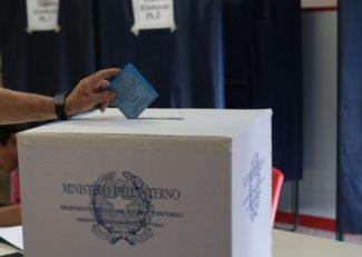 ballottaggio-votazione-elezioni-2015-111-1024x682-1-325x231
