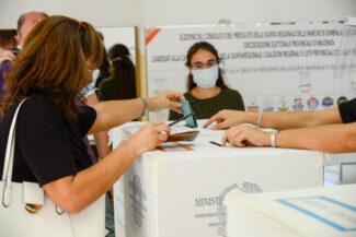 Elezioni_Seggi_2020-16-325x217