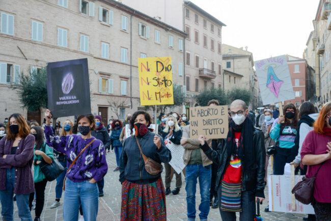 Manifestazione_Aborto_FF-1-650x434