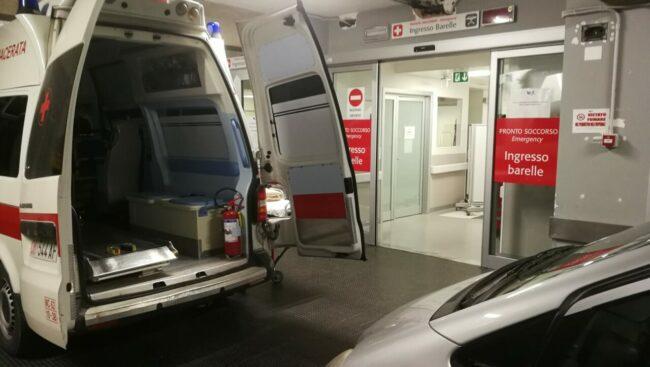 covid-ospedale-macerata-pronto-soccorso-container-3-650x367
