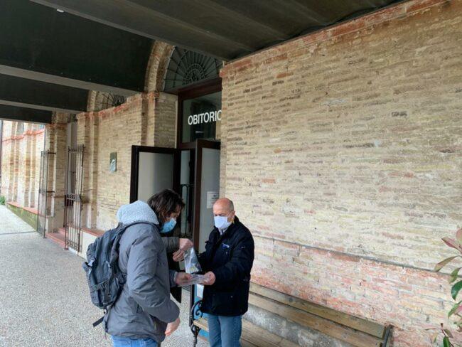omicidio-rosina-prelievo-dna-obitorio1-650x488
