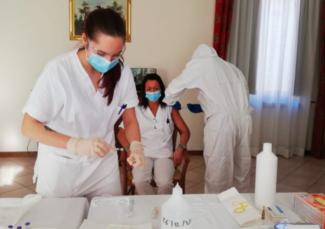 vaccini-casa-riposo-gualdo