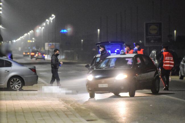 incidente-auto-investe-gennari-di-prisco-lungomare-scossicci-porto-recanati-carabinieri-FDM-10-650x433