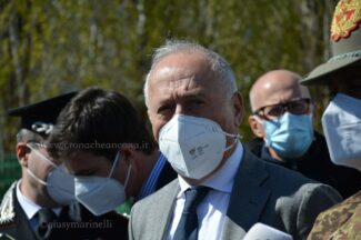 vaccini-gen_Figliuolo-DSC_1379-Saltamartini--325x216