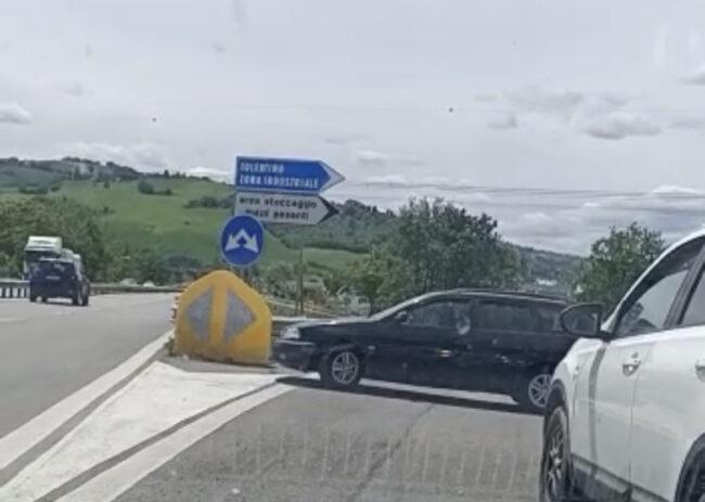 auto-contromano-superstrada-tolentino-1-650x463