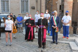 Pellegrinaggio-macerata-loreto-2021-4-325x217
