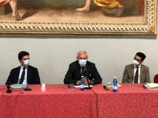 Tavolo-primo-piano-da-sinistra-Acquaroli-Poletti-Longhi